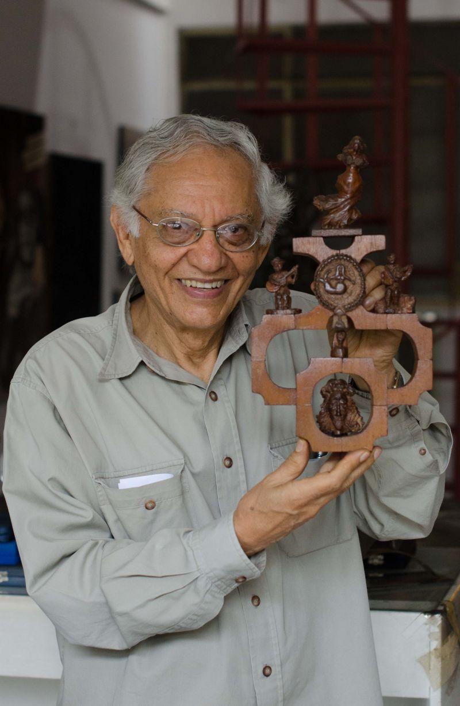 16/04/2013. Crédito: Raimundo Sampaio/Encontro/D.A Press. Brasil Brasilia. O cineasta Vladimir Carvalho fala sobre sua história e seus trabalhos em esculturas e xilografias.