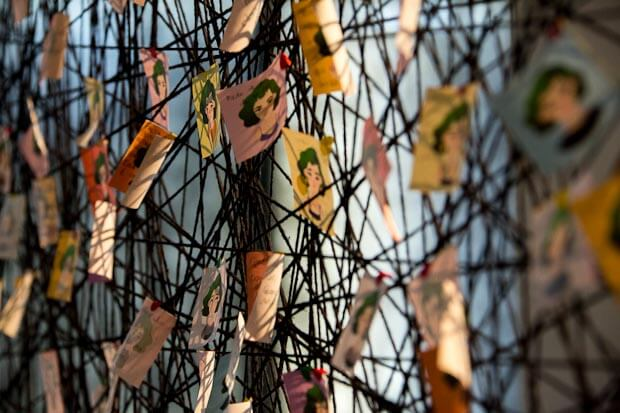 Foto: Exposicao Medos, produzida por alunos do curso de Museologia na galeria da Faculdade de Arquitetura. Foto: Luis Gustavo Prado/Secom UnB (noticias.unb.br).