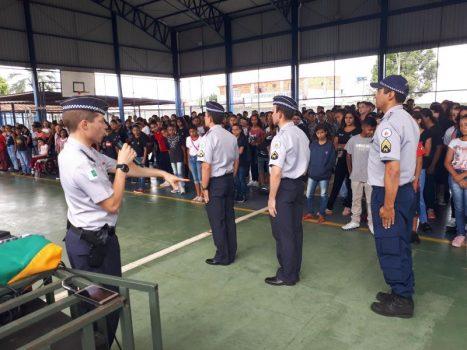 escolas militares