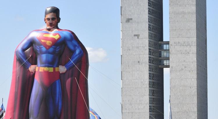 Super-homem Sérgio Moro