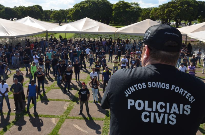 Policiais civis realizam assembleia na Praça do Buriti no Eixo Monumental. 14/11/2017. Credito: Ana Carneiro/Esp.CB/D.A. Press.