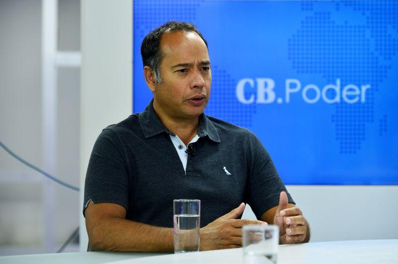 Secretario de Educação do GDF Leandro Cruz.