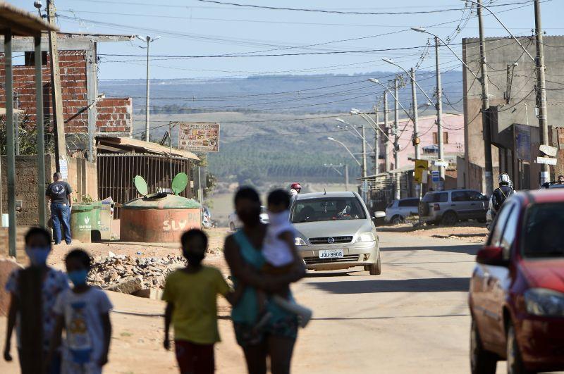 Movimentação da população e comércio no Sol Nascente onde foi decretado Lockdown.
