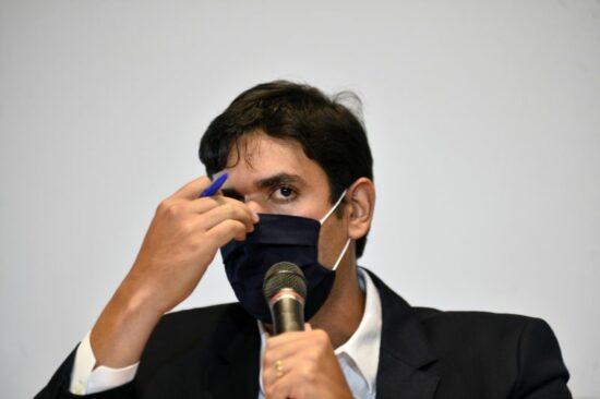 Brasília - DF. Entrevista coletiva na Câmara Legislativa justificando o plano de saúde Fascal criado para os antigos deputados. Deputado Distrital Rafael Prudente.