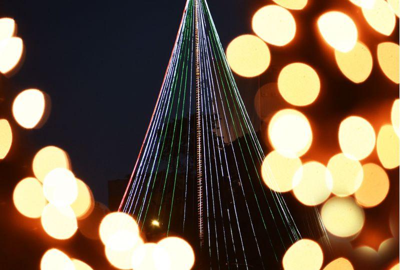 23/12/2015 Crédito: Ed Alves/CB/D.A Press. Brasil. Brasília - DF. Decoração de Natal na Esplanada dos Ministérios.
