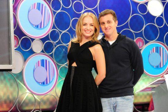 Apresentadora Angélica com o marido e também apresentador de televisão Luciano Huck