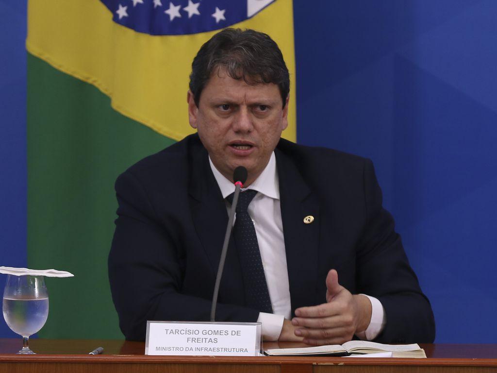 O ministro da Infraestrutura, Tarcísio Freitas, durante coletiva de imprensa no Palácio do Planalto
