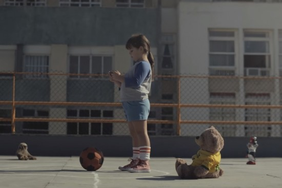 comercial-futebol-itaú