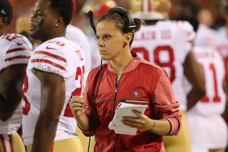 Katie-Sowers-NFL-San-Francisco- 49ers