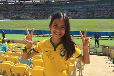 Luiza joga e escreve sobre futebol  Facebook/Reprodução