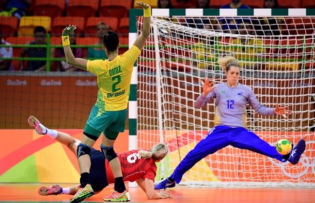 A goleira Babi assumiu o posto de capitã da equipe | Foto: AFP/Franck Fife