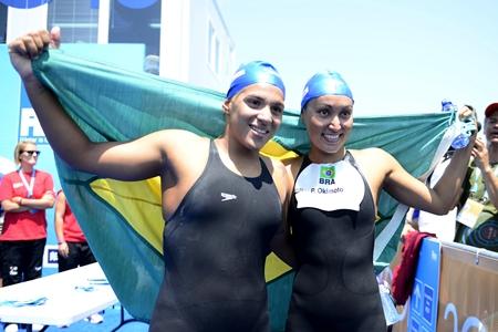 Ana Marcela e Poliana: prata e ouro no Mundial de 2013 | Foto: AFP