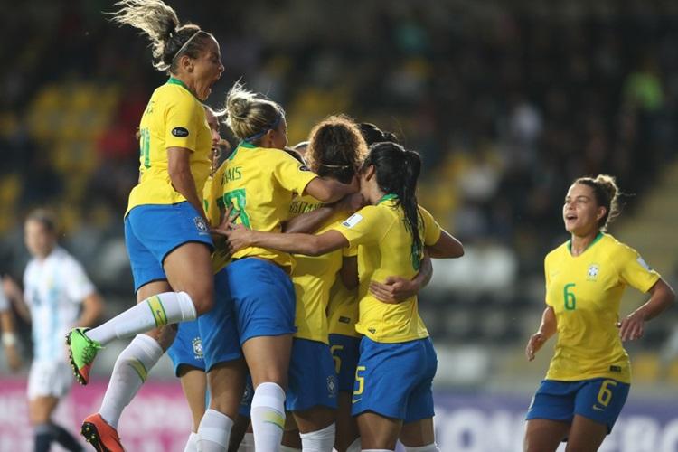 Seleção Brasileira vence Argentina em estreia da Copa América do Chile, em 2018