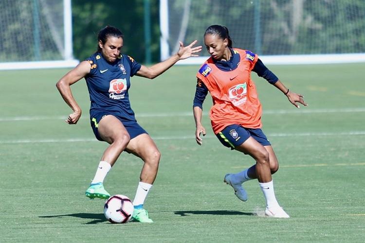 Marta joga com a Seleção Brasileira feminina de futebol no Torneio das Nações, nos Estados Unidos