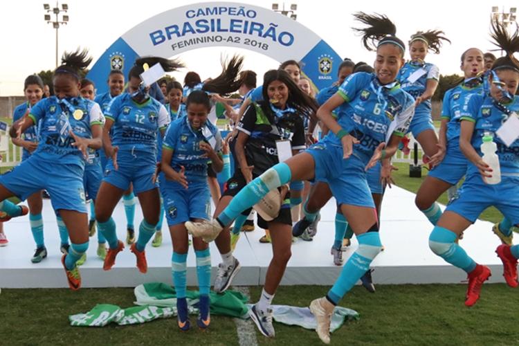As Minas, de Brasília, comemoram título do Campeonato Brasileiro A-2 2018