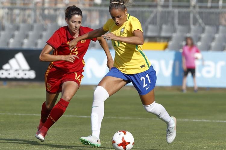 Amistoso preparatório para Copa do Mundo feminina entre Brasil e Espanha, na Espanha