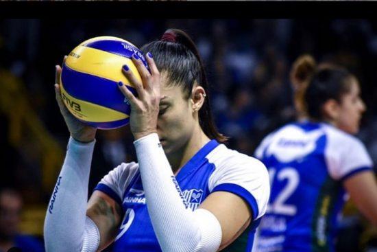 Bruna Honório descobriu que tem um pequeno tumor benigno no coração e, por isso, deixa a Seleção Brasileira feminina de vôlei