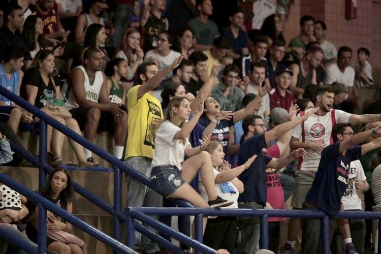 NBB-torcida-jogo-basquete