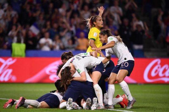 Seleção Brasileira é eliminada pela França na prorrogação