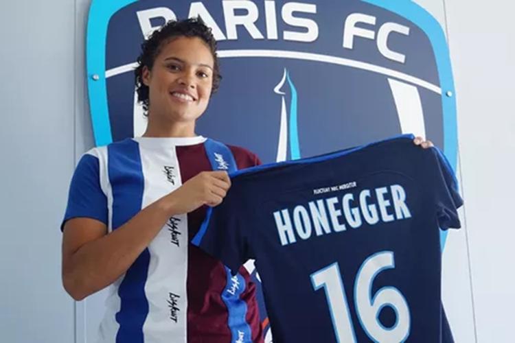 A goleira Natascha Honegger é uma aposta da técnia Pia para o futuro da Seleção Brasileira feminina de futebol