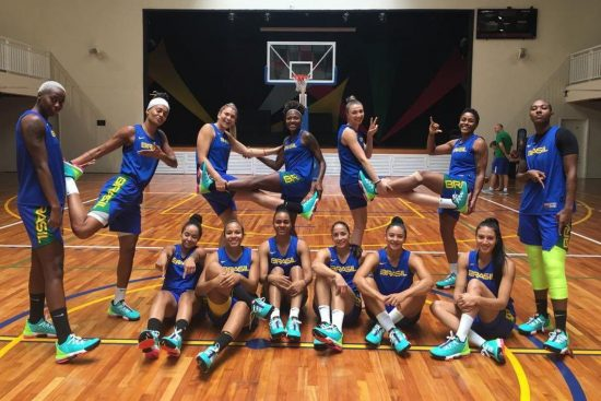 Seleção Brasileira feminina de basquete em treino para disputar o Pré-Olímpico Mundial na busca pela classificação para Tóquio-2020
