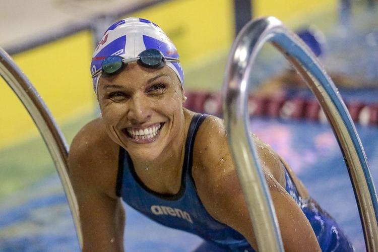 A nadadora de baixa visão Maria Carolina Santiago é campeã mundial e brigará pelo título nas Paralimpíadas de Tóquio-2020