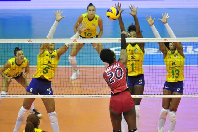 Brasil x República Dominicana na Liga das Nações de Vôlei Feminino 2019. Em 2020, competição é adiada por causa de coronavírus