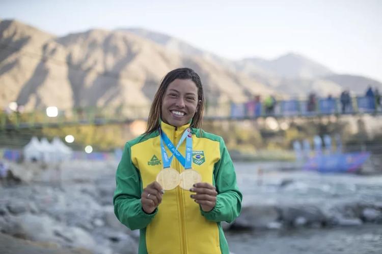 Mulheres nas Olimpíadas: Ana Sátila canoagem brasileira disputará a terceira Olimpíada dela em Tóquio 2020
