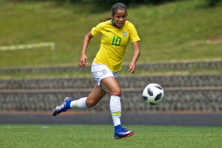 Victória Albuquerque, jogadora de futebol do Corinthians e da Seleção Brasileira