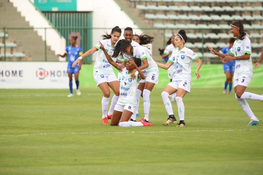 Minas Brasília comemora vitória de virada sobre o São José no Campeonato Brasileiro A1 de futebol feminino 2020