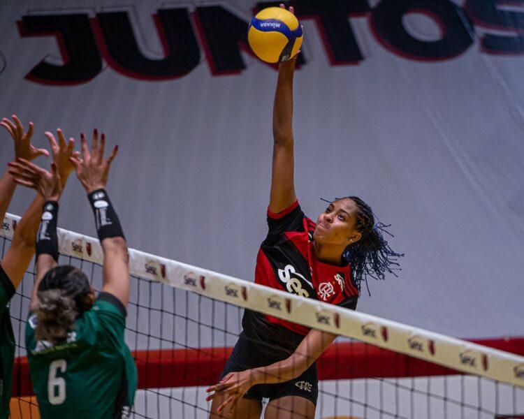 Ana Cristina é uma das jogadoras do Sesc RJ Flamengo com covid-19 no surto da doença na Superliga