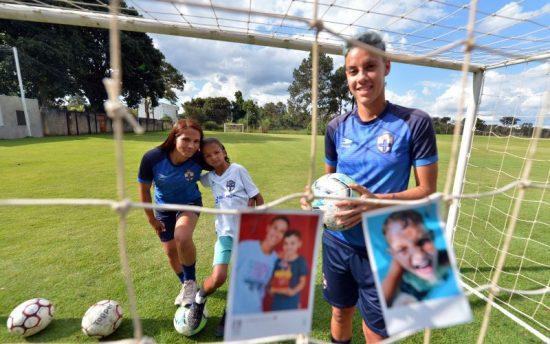 Mães jogadoras de futebol do Real Brasilia.