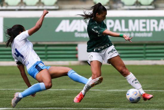 Bia Zaneratto marcou cinco gols em sete jogos pelo Palmeiras no Brasileirão feminino 2021