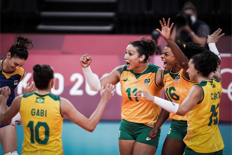 Seleção Brasileira feminina de vôlei vence Japão, em jogo marcado por lesão de Macris