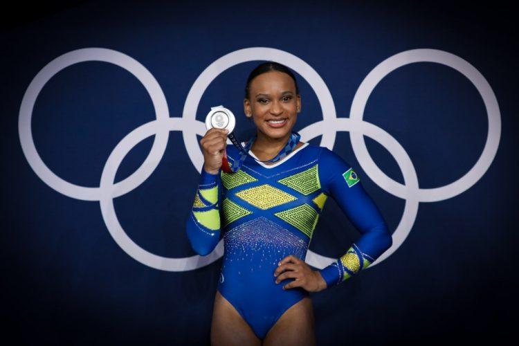 Com prata em Tóquio, Rebeca Andrade é a primeira medalhista olímpica da ginástica feminina do Brasil