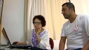 O trabalho do neto de aluguel na casa de Dora Dalmásio. Reprodução/TV Gazeta