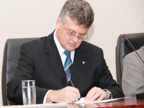 O juiz Waldemar Cláudio de Carvalho, da 14ª Vara do Distrito Federal (Reprodução)