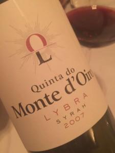 16/07/2016. Crédito: Quinta do Monte d`Oiro/Divulgação. Vinho tinto Syrah da vinícola Quinta do Monte d`Oiro.