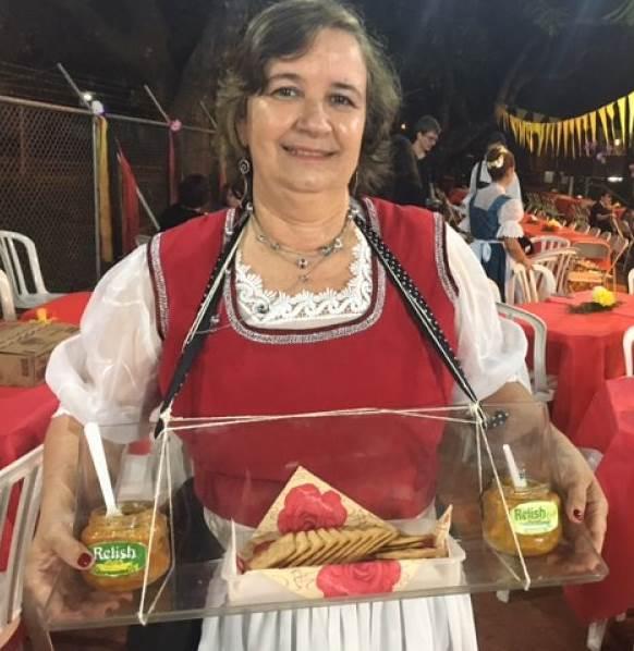 06/2017. Credito: Liana Sabo/CB/D.A. Press. Carla Leite apresenta o produto em recente festa alemã