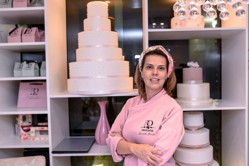 2017. Crédito: Hugo Schaly/Divulgação. Chocolatier Renata Diniz abre loja em Brasília. Em destaque, algumas de suas criações.