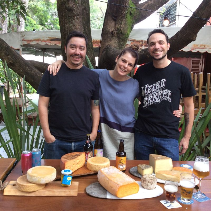 16/04/2018. Credito: Liana Sabo/CB/D.A. Press. Brasil. Brasilia - DF. Favas Contadas. Pablo Julio, Marina Cavechia e Andre Vasquez, socios da Teta Cheese Bar, na Superquadra 103 Sul.