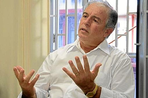"""Para Matias-Pereira, medida prejudica a entrada de talentos no governo: """"Estão jogando para a plateia"""". Foto: Reprodução"""