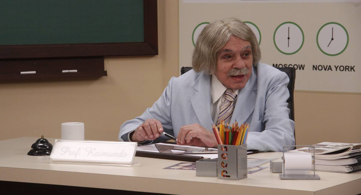 Chico Anysio como Professor Raimundo em Escolinha do Professor Raimundo