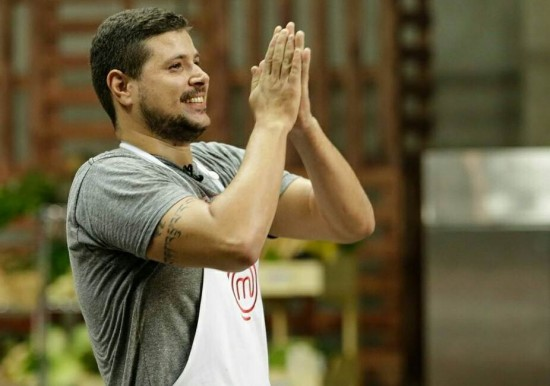 Raul Lemos, ex participante do MasterChef Brasil.