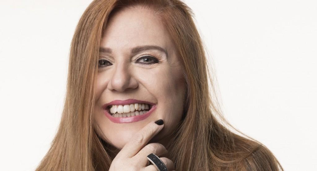 Rodrigo Lopes/Divulgação. Regiana Antonini se diverte nas gravações de Pega pega.