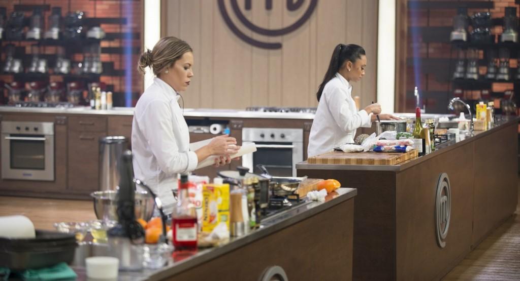 As duas finalistas cozinham pela última vez no MasterChef