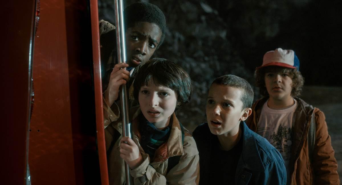 Cenas da primeira temporada da série Stranger Things da Netflix.