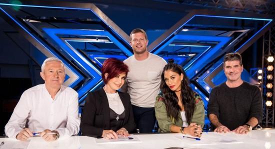 Bancada de jurados da 14ª temporada do The X factor UK.