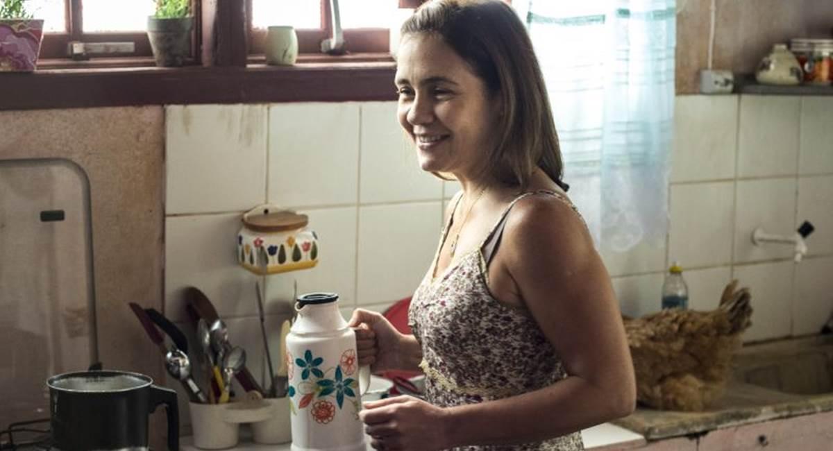 Adriana Esteves como Fátima na minissérie Justiça
