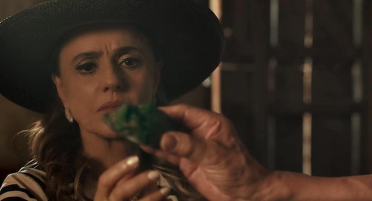 Marieta Severo domina a cena em O outro lado do paraíso